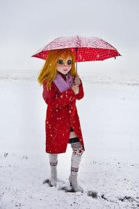 504_YellowHair_Red_Coat_Umbrella_Snow0